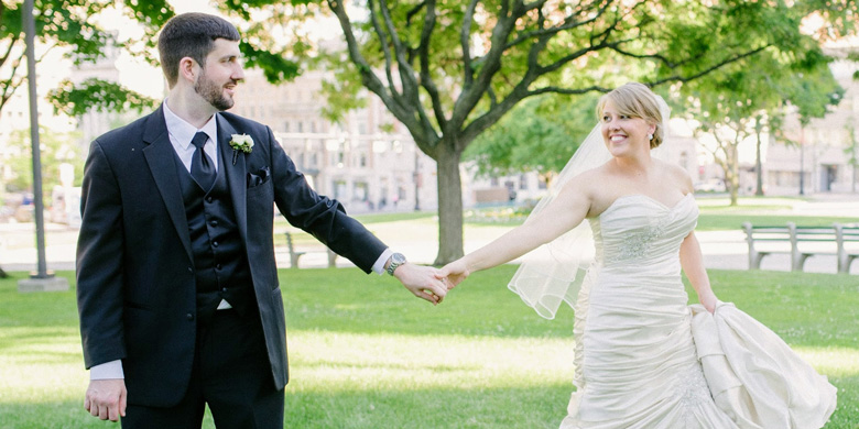 A WEEK BEFORE HER WEDDING DAY, DANIELLE KROFT HAD A FLARE-UP OF HER ULCERATIVE COLITIS THAT THREATENED HER PLANS. PHOTO CREDIT: TARA WILEY PHOTOGRAPHY
