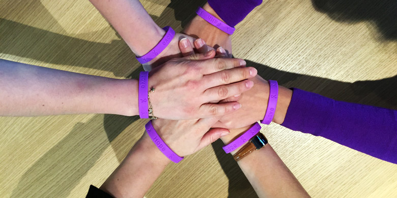 Celgene Switzerland provided employees with purple wristbands to commemorate World Pancreatic Cancer Day.